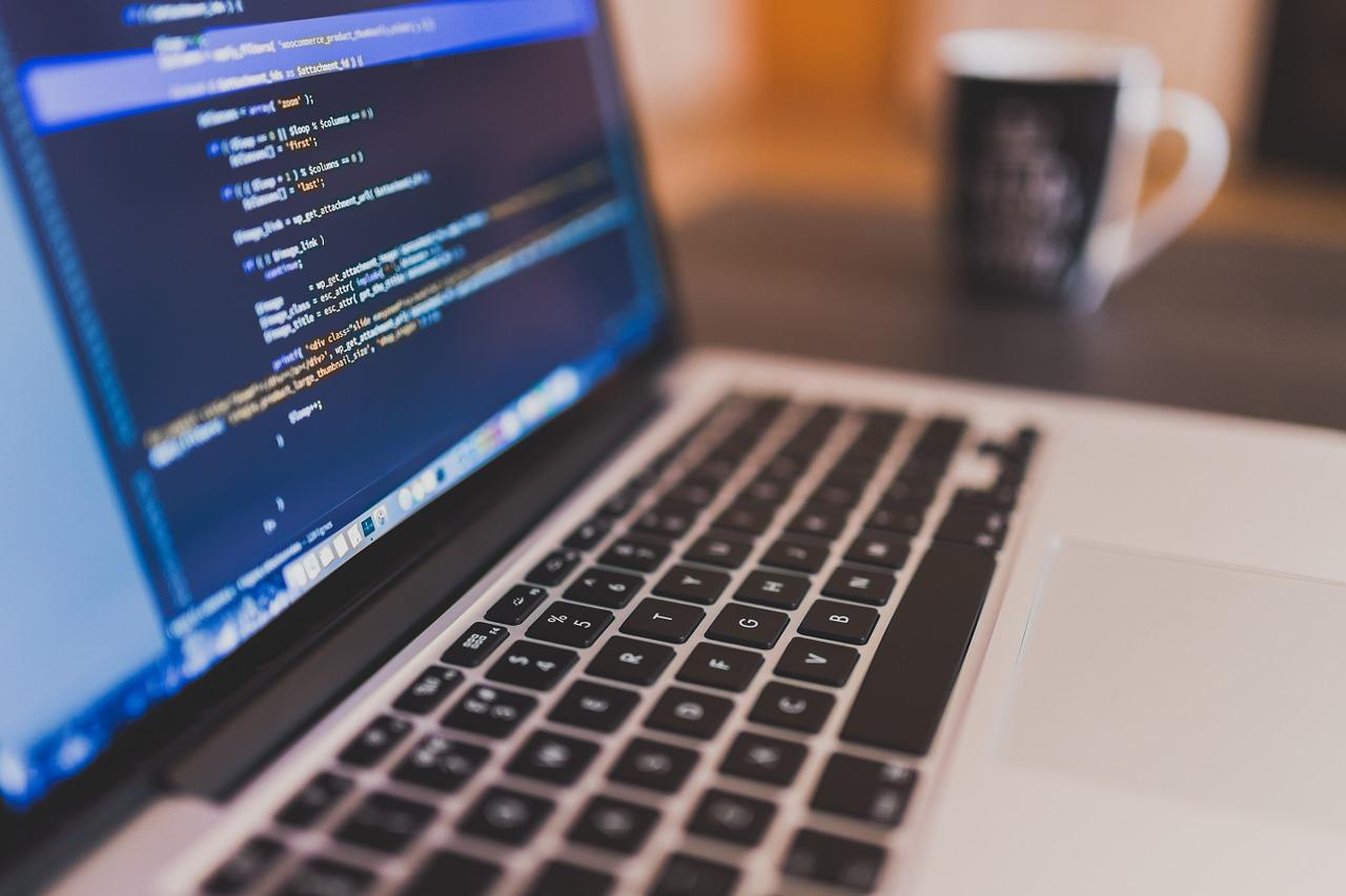 Die IT-Abteilung bei roTeg arbeitet stetig daran, die hauseigene Steuerungssoftware zu verbessern.