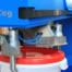 Der roTeg Eimergreifer palettiert Eimer sicher und präzise