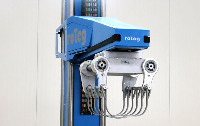 Der Messeroboter der Firma roTeg befindet sich im Teststand