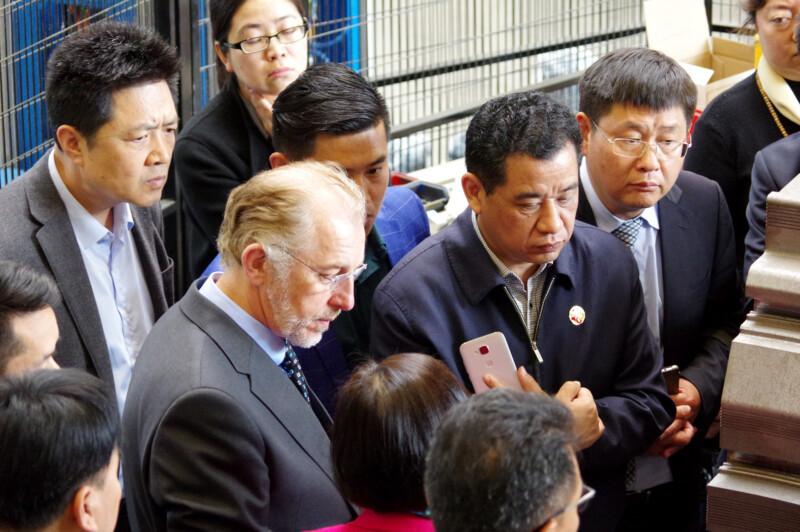 Eine Gruppe chinesischer Geschäftsleute esucht Ende Oktober die roTeg AG