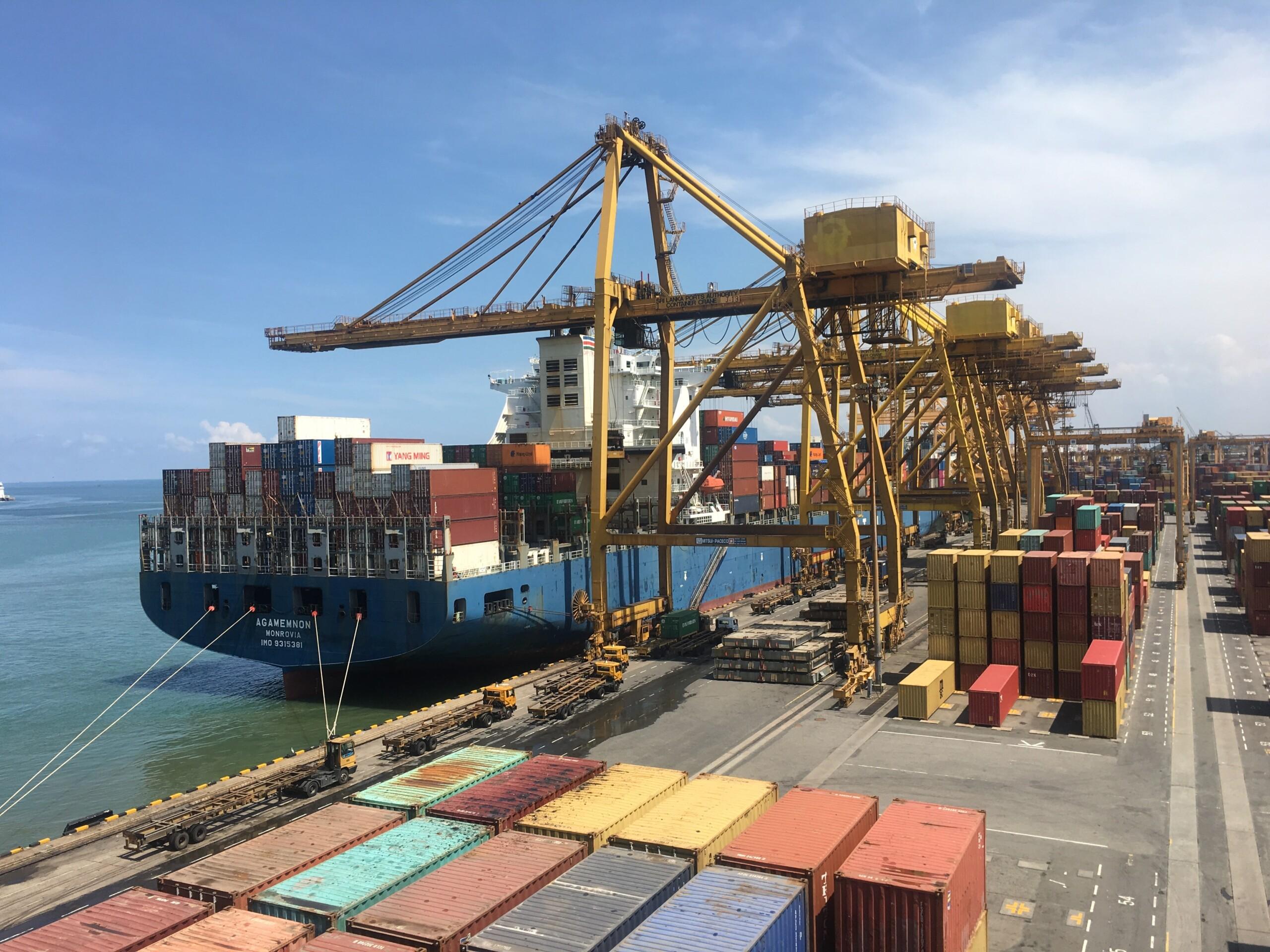 Die ersten Container mit den roTeg Robotern sind in den USA angekommen